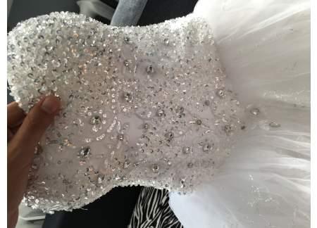 Suknia Z Kryształkami Swarovskiego Bytom