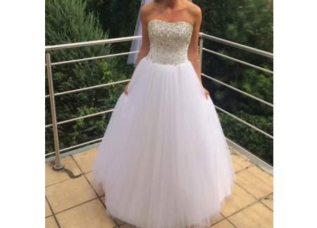 śnieżnobiała Suknia ślubna Typu Princessa Z Gorsetem Wysadzanym