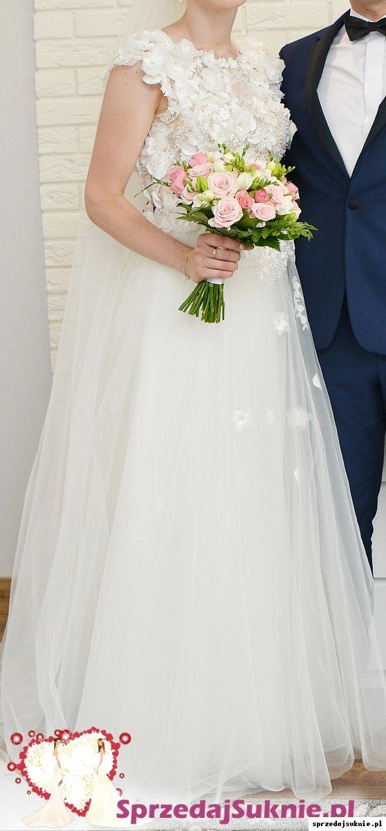 Suknia w kwiaty 3D