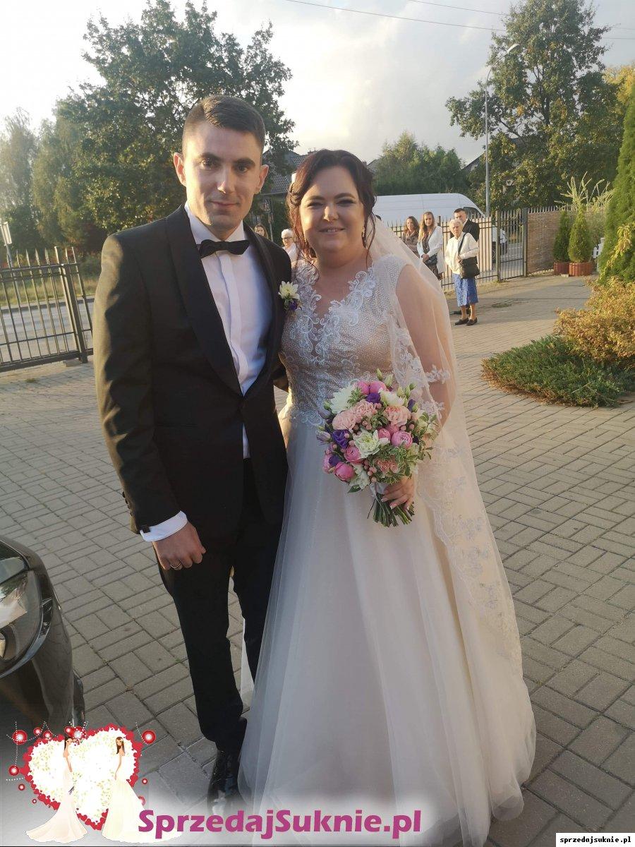 Suknia Ślubna Brokatowa