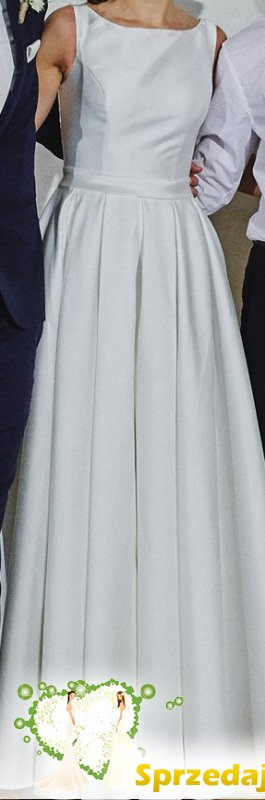 Suknia IGAR dekolt z tylu