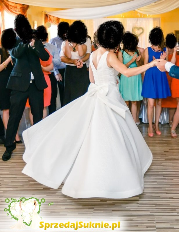 Suknia na wzór sukni Dior