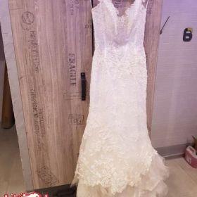 Piękna suknia ślubna z kamieniami swarowskiego rozm.38