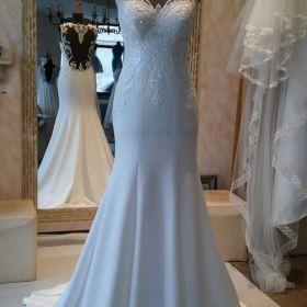 Suknia ślubna- Suri