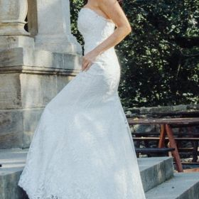 Suknia ślubna XS 34 rybka syrenka śmietankowa biel ivory peleryna koronkowa STAN IDEALNY wyprana i wyprasowana podpinany tren
