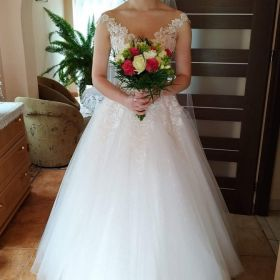Suknia Ślubna z salonu Maxima