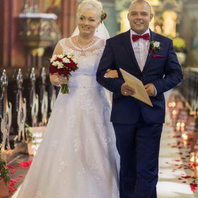 Suknia ślubna wiązana