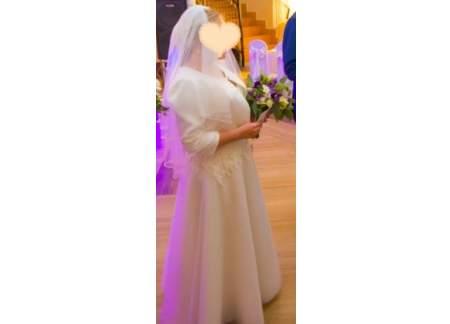 Suknia ślubna na niską osobę + welon