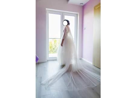 Suknia ślubna Sylwii Kopczyńskiej + długi welon gratis