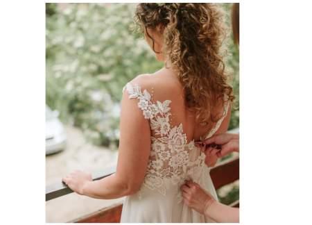 Przepiękna Suknia Ślubna + nakrycie wierzchnie + kolczyki