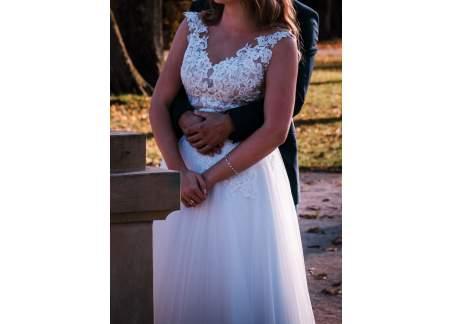 Suknia Ślubna śnieżno biala koronka + tiul
