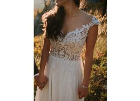 Suknia ślubna BOHO rozm. 38 + welon z koronkowym wykończeniem