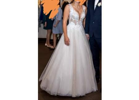 Błyszcząca suknia ślubna Fiorella